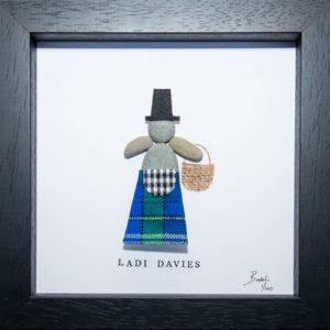 Pebble Art figure in Davies Tartan